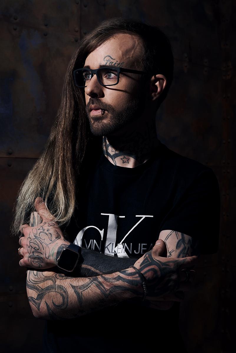 Manuel im Studio © Elias Maier Fotografie